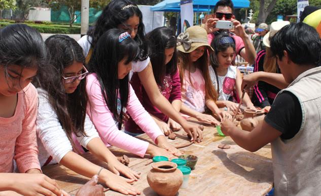 Parque de las leyendas brinda talleres de alfarería prehispánica